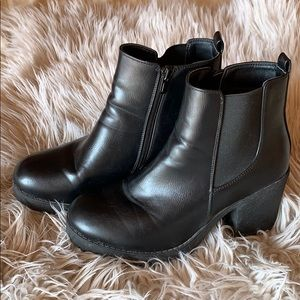 Chunky sole black booties